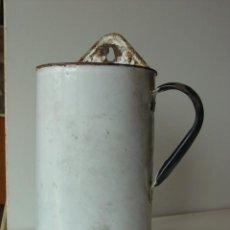Antigüedades: JARRA DE COLGAR CHAPA ESMALTADA. Lote 43218505