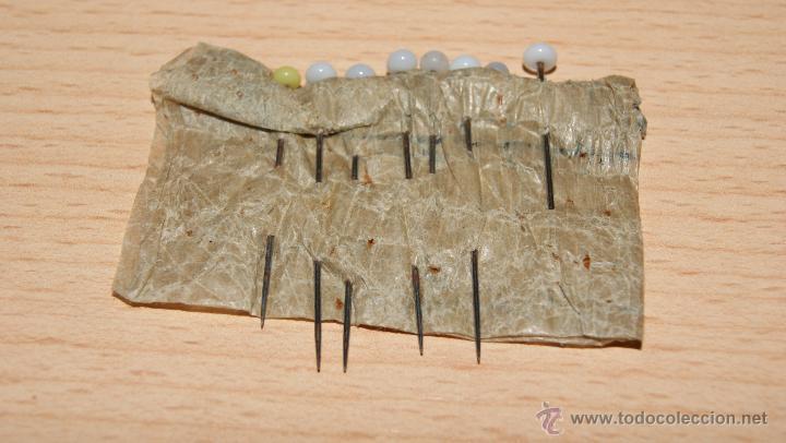 Antigüedades: Alfileres de perla plástico blanco antiguos 8 uds. de 4 cm. - Foto 2 - 43234931