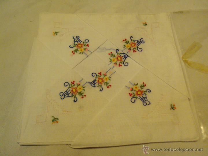 Antigüedades: lote antiguos pañuelos de mano bordados a mano - Foto 2 - 43286531