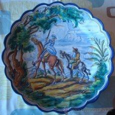 Antigüedades: PLATO DE CERÁMICA TALAVERA CON MOTIVO DEL QUIJOTE Y SANCHO PANZA . Lote 43318522