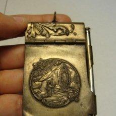 Antigüedades: SOUVENIR, RECUERDO DE LOURDES. LIBRITO DE PLATA. INCLUYE PORTAMINAS.. Lote 43318643