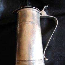 Antigüedades: JARRA DE ESTAÑO GRANDE. DIVERSAS MARCAS Y PUNZONES. GRAN SELLO EN INTERIOR. Lote 43333016