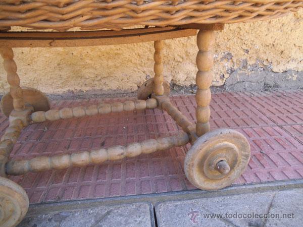 Antigüedades: FABULOSA CUNA DE MIMBRE CON PATAS Y RUEDAS DE MADERA - Foto 12 - 212252157