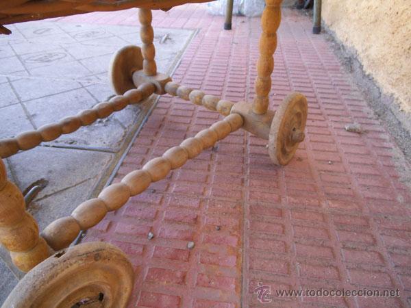 Antigüedades: FABULOSA CUNA DE MIMBRE CON PATAS Y RUEDAS DE MADERA - Foto 3 - 212252157