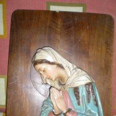 Antigüedades: PRECIOSA AVE MARIA AÑOS 40 EN RELIEVE CON LAMPARILLA BUEN ESTADO. Lote 43357943