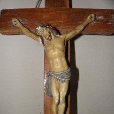 Antigüedades: CRISTO EN LA CRUZ CON BUENA POLICROMIA, GRANDES DIMENSIONES 49X25. Lote 43451187