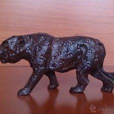 Antigüedades: LEOPARDO EN MADERA TALLADA .. Lote 43458562