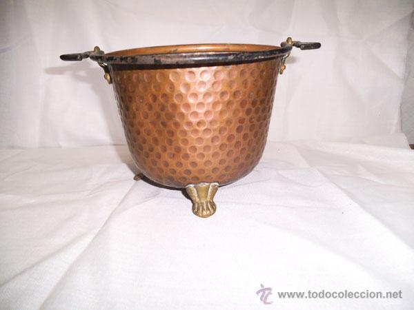 Antigüedades: PRECIOSA CALDERA DE COBRE CON PATAS DE METAL - Foto 3 - 43485048