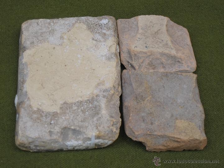 Antigüedades: LOTE DE 3 AZULEJOS ANTIGUOS DE TALAVERA O TOLEDO. SIGLOS XVI Y XVII. AZULEJO. - Foto 2 - 43513423