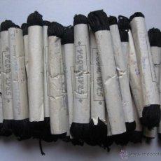 Antigüedades: 50 MADEJAS DE CINTA CORDÓN EN NEGRO. Lote 43576802