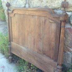 Antigüedades: ANTIGUO CABECERO DE CAMA , DE NOGAL. Lote 43582214