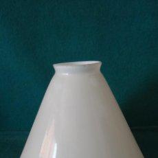Antigüedades: LAMPARA TULIPA PANTALLA OPALINA ART DECÓ - 20 X 16 CM. -. Lote 79705267