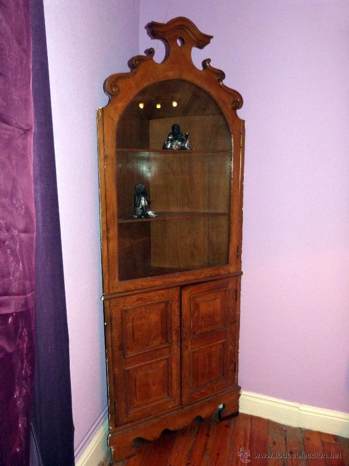 Antigua vitrina esquinera de madera con puertas vendido - Vitrinas pequenas ...