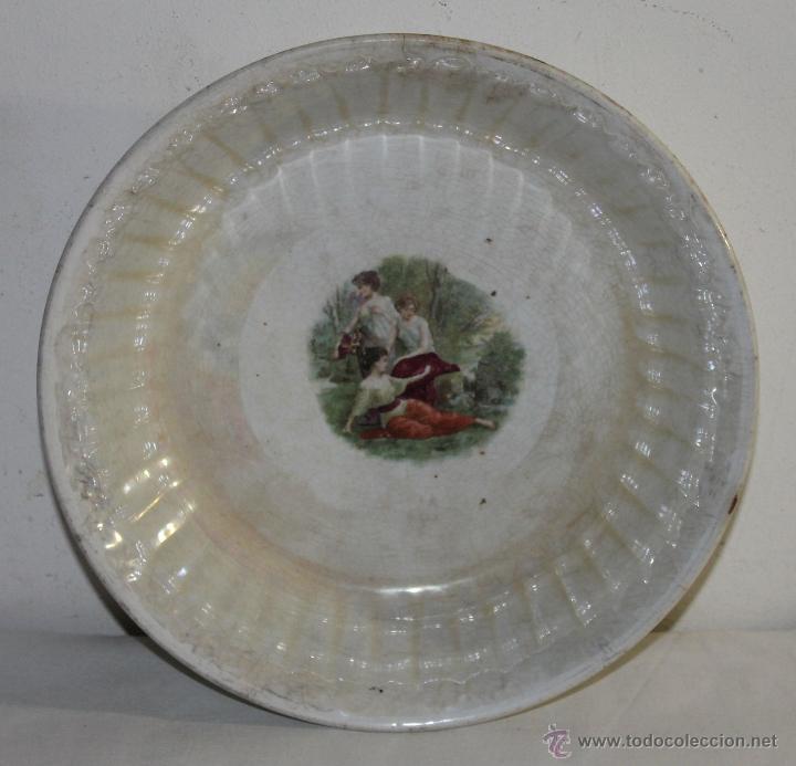 PLATO HONDO NACARADO - SEVILLA CHINA OPACA - SIGLO XIX - DIÁMETRO: 24.5 CM. (Antigüedades - Porcelanas y Cerámicas - Otras)