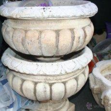 Antigüedades: 2 MACETEROS DE PIEDRA O CEMENTO. Lote 43736014