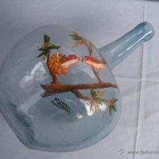 Antigüedades: ANTIGUA DAMAJUANA EN CRISTAL SOPLADO, COLOR AZUL. Lote 171589540