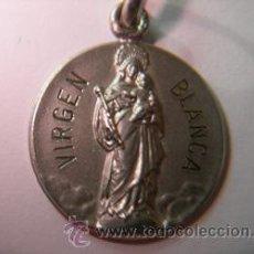 Antigüedades: MEDALLA VIRGEN BLANCA EN PLATA DE LEY MACIZA - 16MM. Lote 195522811
