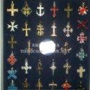 Antigüedades: 30 CRUCES UNIVERSALES COLECCIÓN EKL COMPLETA DE COLGANTES. NUEVAS SIN ABRIR.. Lote 160656496