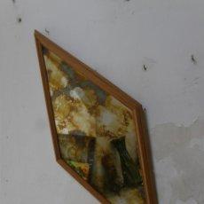 Antigüedades: ESPEJO ROMBOIDAL DE MADERA DE PINO LUNA TRATADA TIPO ENVEJECIDO REFLEJOS COBRIZOS 1,40X 60 CM. Lote 43864633