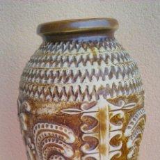 Antigüedades: JARRÓN DE COLOR CREMA Y MARRÓN ,DIBUJOS EN RELIEVE SCHEURICH KERAMIK BAY W GERMANY Nº 962-40. Lote 43885165
