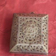 Antigüedades: COLGANTE DE PLATA O RELICARIO ANTIGUO. Lote 43897261
