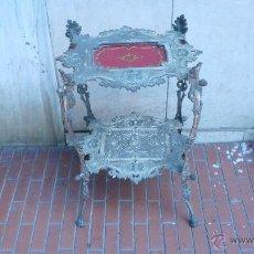Antigüedades: MESITA BRONCE IMPERIO BASE CRISTAL. Lote 43900033