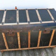 Antigüedades: GRAN COFRE ARCON BAUL ANTIGUO EN MADERA Y METAL AÑOS 40. Lote 43909528