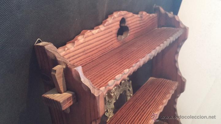Antigüedades: Dos repisas de madera antiguas, en madera madera, bien conservadas - Foto 7 - 43921546