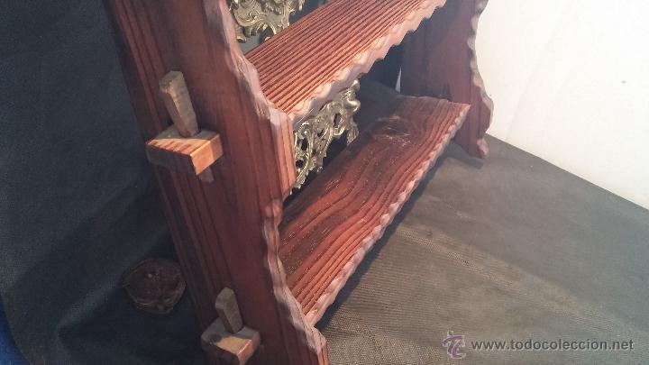 Antigüedades: Dos repisas de madera antiguas, en madera madera, bien conservadas - Foto 9 - 43921546