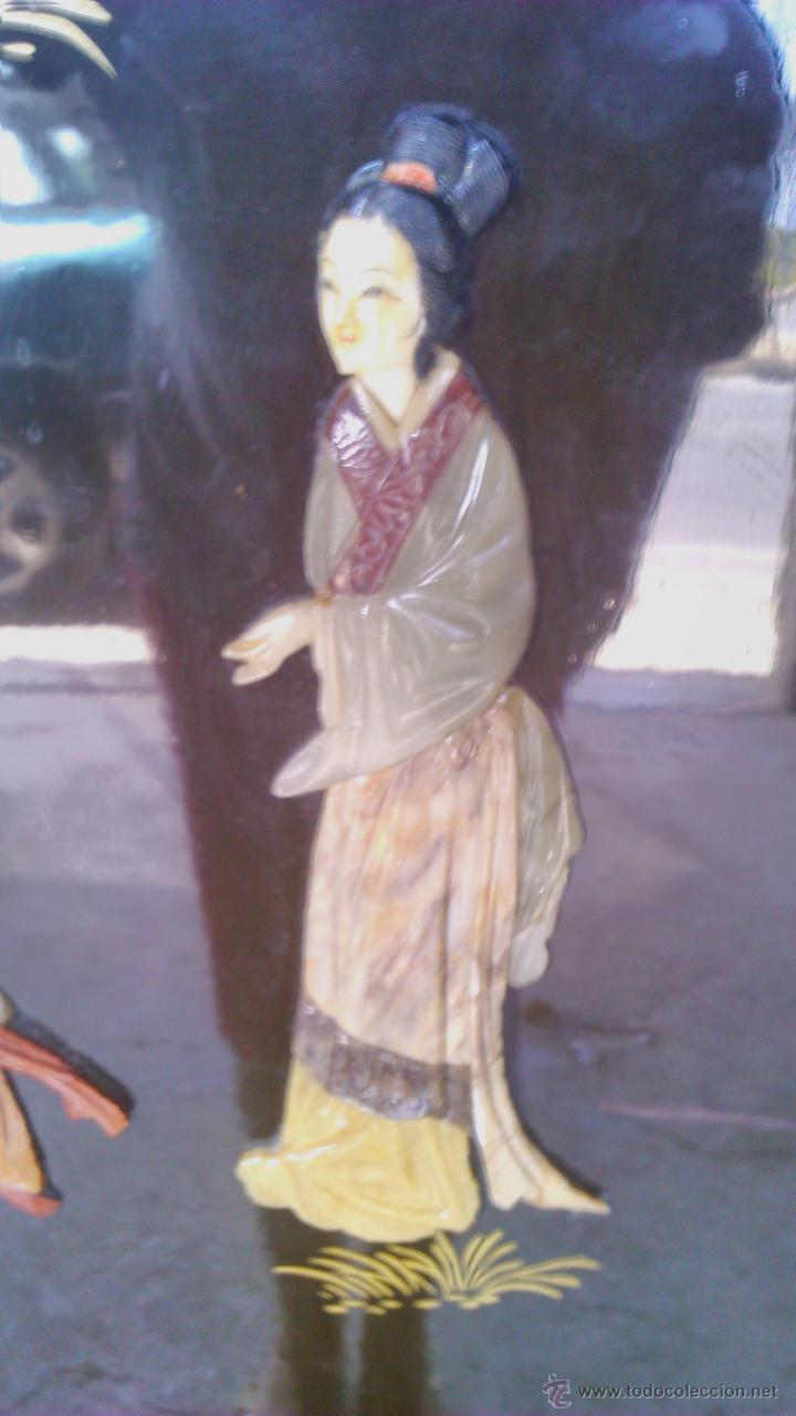 Antigüedades: Antiguo armario chino lácado en negro con imágenes talladas en Jade,Mármol y Nácar.laca china - Foto 5 - 43936177