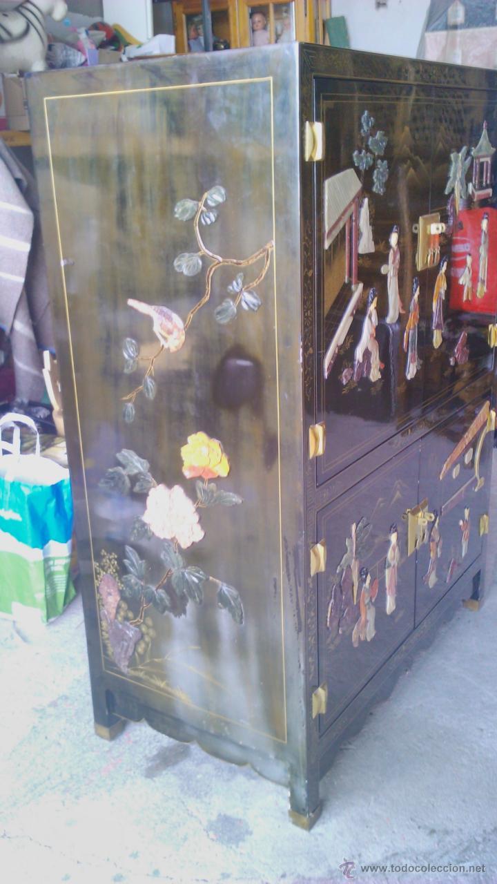 Antigüedades: Antiguo armario chino lácado en negro con imágenes talladas en Jade,Mármol y Nácar.laca china - Foto 21 - 43936177