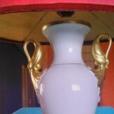 Antigüedades: LAMPARA DE PORCELANA ALBOTH & KAISER BAVARIA. 1960. Lote 83792040