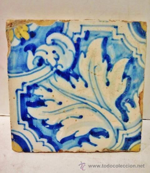 Antigüedades: Lote de 7 azulejos de Talavera, s. XVI-XVII. Esmaltados en azul, amarillo y blanco. - Foto 3 - 51114964