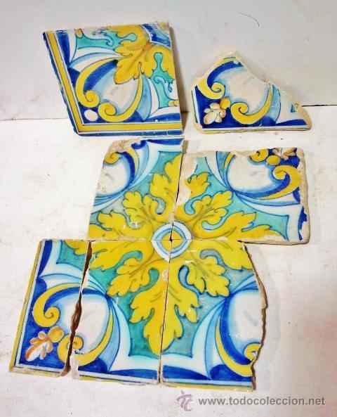 LOTE DE 7 AZULEJOS DE TALAVERA, S. XVI. ESMALTADOS EN AMARILLO, AZULES Y BLANCO. (Antigüedades - Porcelanas y Cerámicas - Talavera)