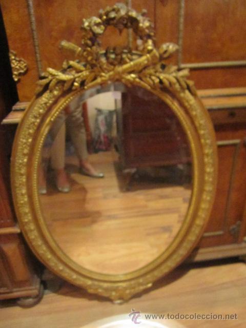 Antiguo espejo isabelino ovalado con marco de comprar for Espejo ovalado madera