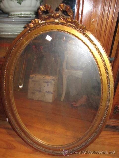 Antigüedades: Antigua pareja de espejos con marco de madera dorada, estilo isabelino. 73 x 52 cms.Interior 58X43 c - Foto 7 - 44009846