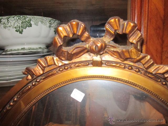 Antigüedades: Antigua pareja de espejos con marco de madera dorada, estilo isabelino. 73 x 52 cms.Interior 58X43 c - Foto 8 - 44009846