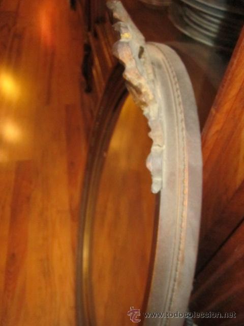 Antigüedades: Antigua pareja de espejos con marco de madera dorada, estilo isabelino. 73 x 52 cms.Interior 58X43 c - Foto 10 - 44009846