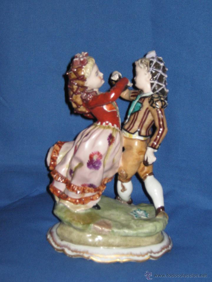 PRECIOSA PAREJA GOYESCA DE BAILARINES DE PORCELANA HISPANIA DE MANISES - 25 CMS - SELLO INCISO (Antigüedades - Porcelanas y Cerámicas - Manises)