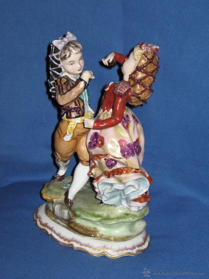 Antigüedades: PRECIOSA PAREJA GOYESCA DE BAILARINES DE PORCELANA HISPANIA DE MANISES - 25 CMS - SELLO INCISO - Foto 2 - 44016722
