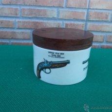 Antigüedades - caja de porcelana y tapa madera - 44016737