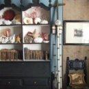 Antigüedades: CRUZ PROCESIONAL CON DOS CIRIALES DE MADERA Y METAL. SÓLO RECOGIDA. HERMANDAD TRINIDAD. Lote 44027737