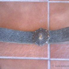 Antigüedades: ANTIGUO CINTURON DE MUJER CON ENORME HEBILLA METAL. . Lote 44038092