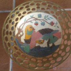 Antigüedades: ANTIGUO CENTRO DE MESA,FRUTERO DE BRONCE ESMALTADO Y PINTADO A MANO. Lote 44053200