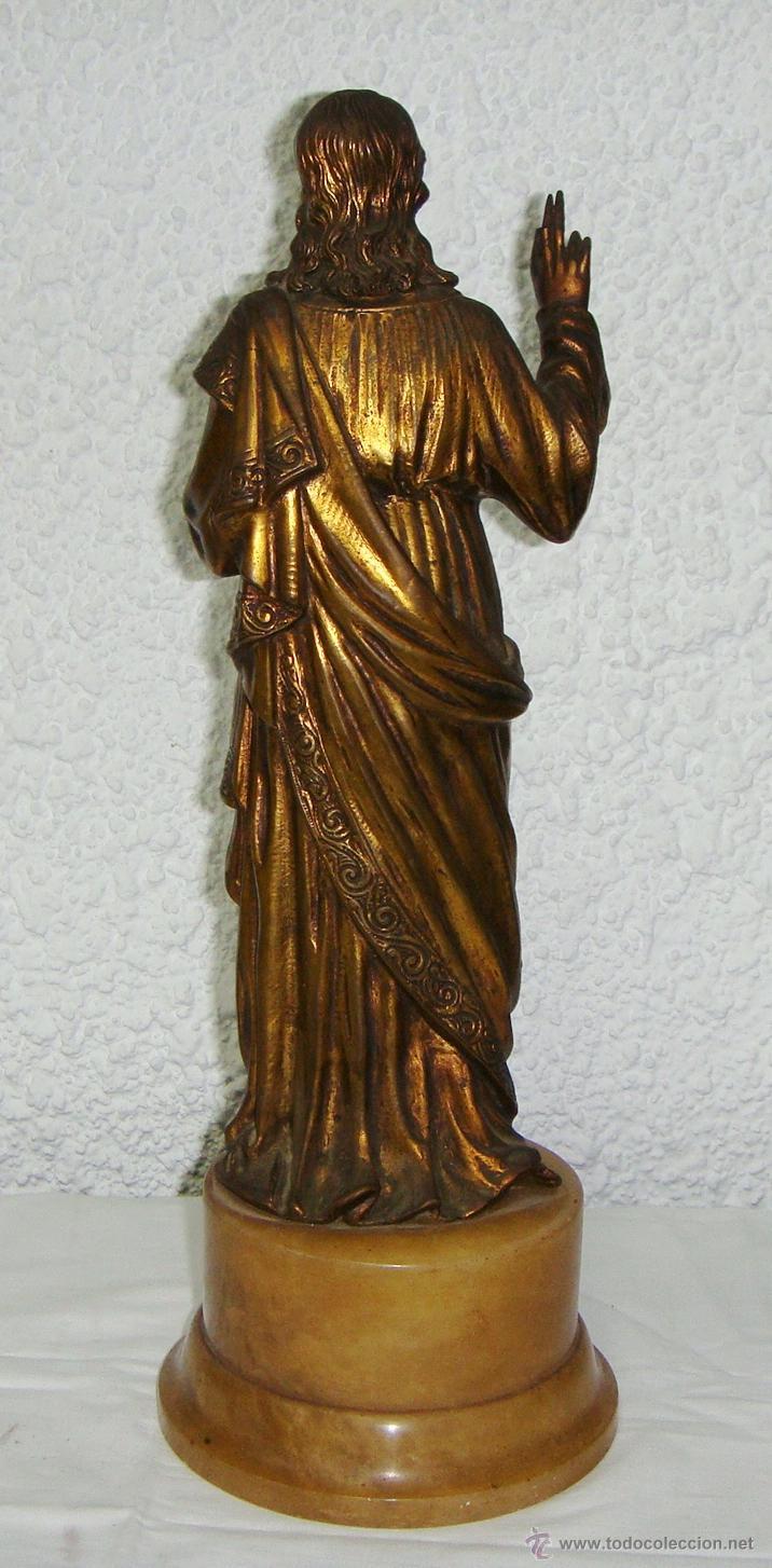 Antigüedades: Antiguo Sagrado Corazon. S.XX. Bronce dorado y base de alabastro. - Foto 4 - 44101822