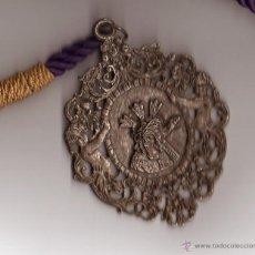 Antigüedades: MEDALLA CON CORDÓN HERMANDAD GRAN PODER SEVILLA. Lote 44108415