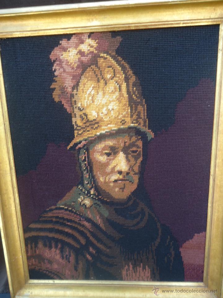 Antigüedades: Antiguo cuadro tapiz a punto de cruz del hombre del casco de oro de Rembrandt - Foto 5 - 44223341