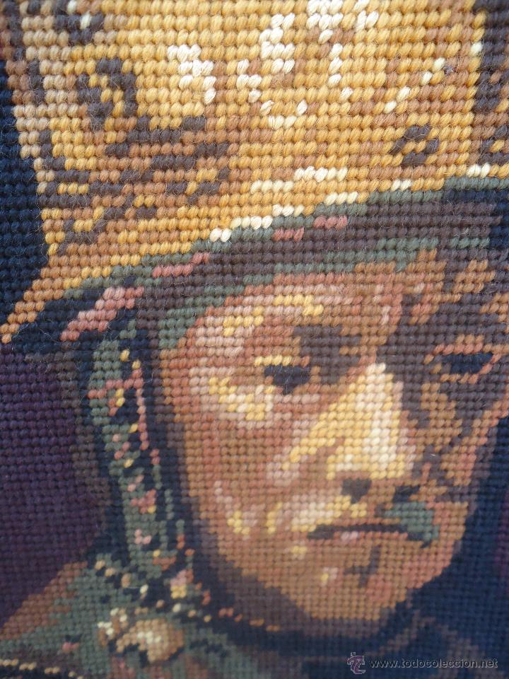 Antigüedades: Antiguo cuadro tapiz a punto de cruz del hombre del casco de oro de Rembrandt - Foto 7 - 44223341