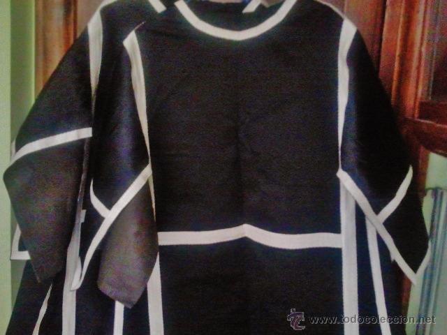 Antigüedades: Pareja de dalmáticas negras de seda con galón blanco. - Foto 2 - 44247484