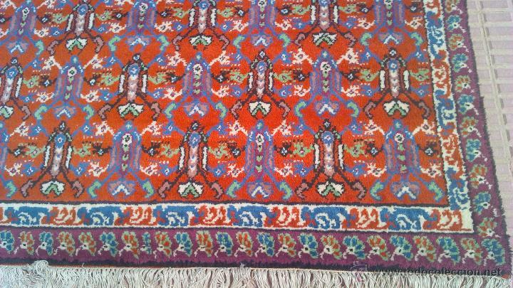 Antigüedades: Preciosa alfombra persa tonos rojos ,azules y borde morado. Oriental. - Foto 3 - 44276010